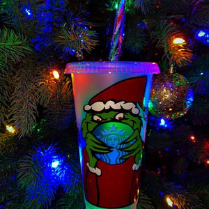 GRINCHMAS STARBUCKS CUP! for Sale in Covina, CA