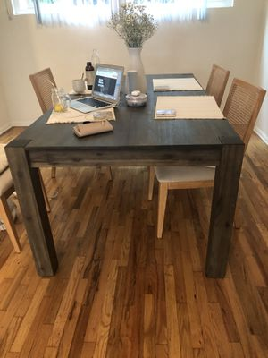 Dining room table 30X72 for Sale in Los Angeles, CA