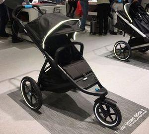 ThuleUrban Glide 2 Child's Stroller for Sale in Oak Park, IL