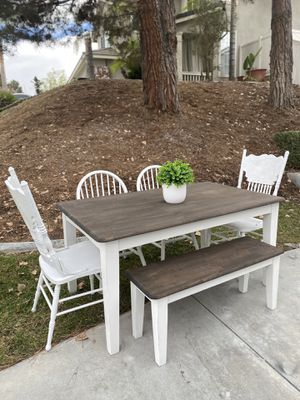 """60"""" farmhouse dining table & 4 chairs / bench for Sale in Temecula, CA"""