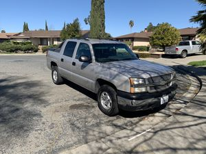 2004 chevy avalanche for Sale in Pittsburg, CA