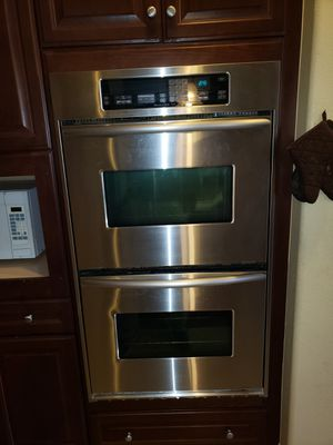 Remodeled kitchen selling stainless steel fridge cooktop microwave dishwasher double oven for Sale in Riverside, CA
