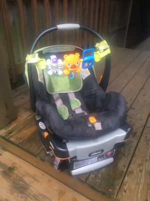 Chicco KeyFit 30 Seat With Base - Works Great for Sale in Chicago, IL