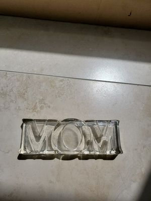 Glass MOM paperweight or plaque for Sale in Royal Palm Beach, FL