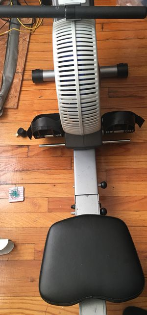 Rowing machine like new. Hardly used for Sale in Bronx, NY