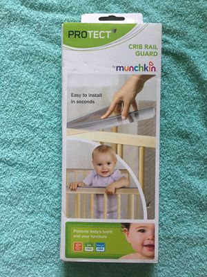Adjustable crib rail protector teether munchkin for Sale in Queens, NY