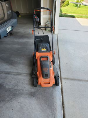 Black and Decker lawn mower electric for Sale in Longmont, CO