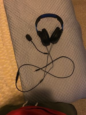 PS4 gaming headphones from turtle beach for Sale in Philadelphia, PA