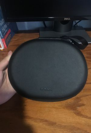 Genuine Sony headphones MDR 1000x case for Sale in Perris, CA