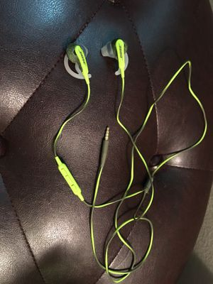 Bose headphones with mic for Sale in Elk Grove Village, IL