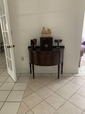 Table Console $250 for Sale in Miami, FL