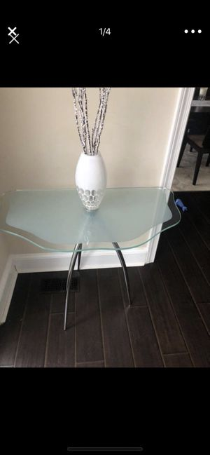 Console/side table from ByDesign for Sale in Duluth, GA