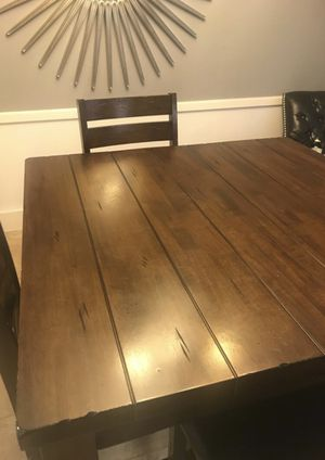Dinning table & 4 Chairs for Sale in Houston, TX