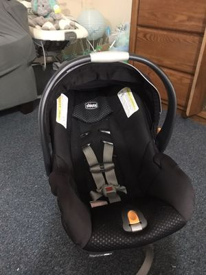 Chicco car seat stroller and two car seat adapters like new am selling it because my daughter got another stroller for her baby shower for Sale in Honolulu, HI