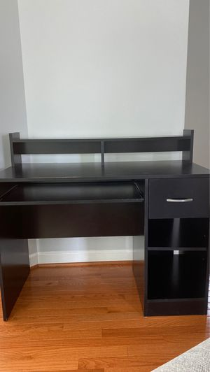 Desk! for Sale in Waldorf, MD