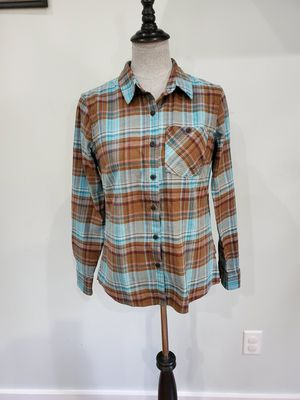 Patagonia flannel shirt size 2 for Sale in Mount Pleasant, SC