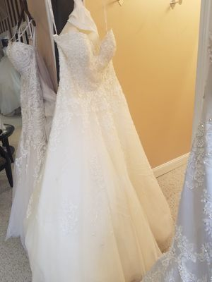Brand new wedding dress for Sale in New Lenox, IL