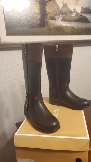 Michael kors boots for Sale in Whittier, CA