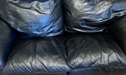 Leather Couch for Sale in Goodyear,  AZ