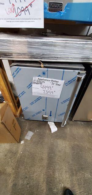 """24"""" Hestan Outdoor fridge for Sale in Los Angeles, CA"""