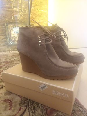 Michael Kors booties size 10 for Sale in Oakland Park, FL
