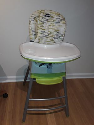 High Chair Chicco 3 in 1 for Sale in Nashville, TN