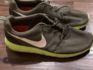Nike roshe for Sale in Cleveland, OH