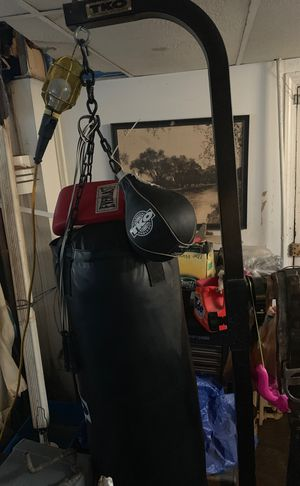 Tko boxing bag with stand and speed bag for Sale in Washington, DC