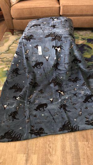 Denali Western fleece reversible Blanket Throw new for Sale in Bothell, WA