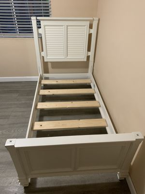 Twin bed for Sale in Sunrise, FL