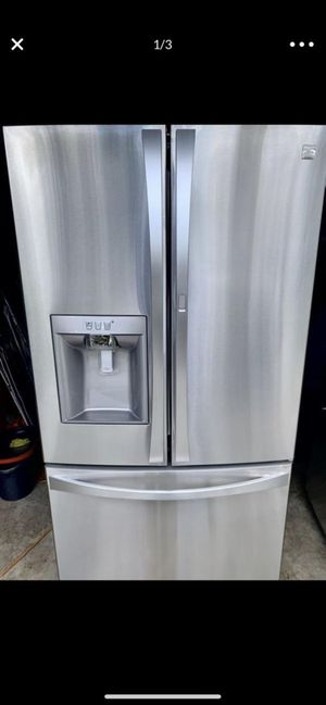 Kenmore elite 3 doors French style plus condiment draw for Sale in Alafaya, FL