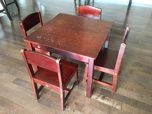 Kids Table and 4 chair set by KidKraft for Sale in Bolingbrook, IL