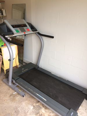 Nordictrack C2100 Treadmill for Sale in NEW PRT RCHY, FL