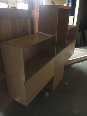 Free Cabinet 2 pieces for Sale in Gresham, OR