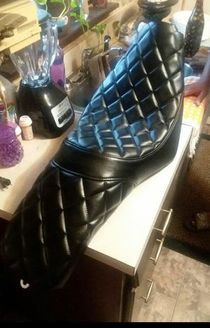 Harley Davis motorcycle custom seat for Sale in Chicago, IL