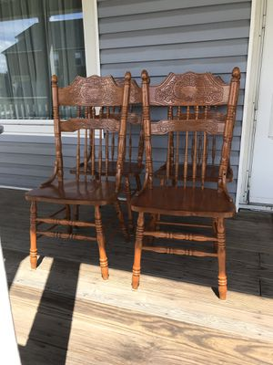 Oak solid sturdy 4 chairs !! Like New!! for Sale in East Chicago, IN
