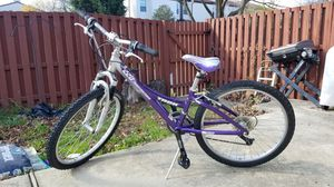 Trek MT220 Girls Bike 21 Speed for Sale in Trenton, NJ