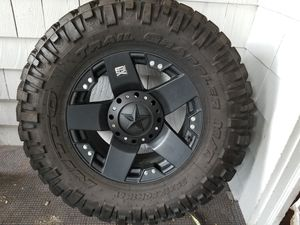 35x12.50 x18 nitto tires and rims for sale 100% good condition for Sale in Englewood, NJ