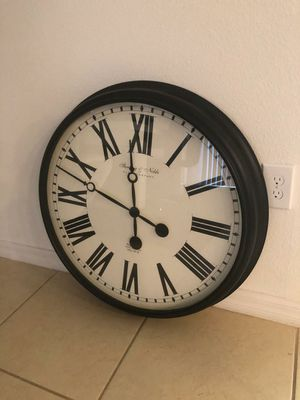 Wall clock /Large for Sale in Kissimmee, FL