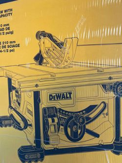 DEWALT 15AMP CORDED 8-1/4IN COMPACT TABLE SAW for Sale in Turlock,  CA