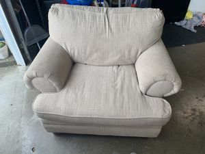FREE Living Spaces 4 Piece Living Room Set for Sale in Cypress, CA