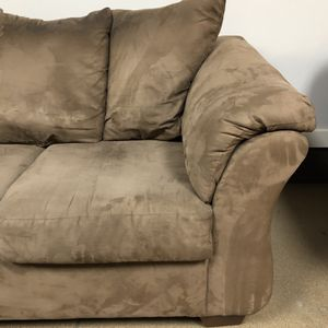 Great Couch (3 Seater) + FREE DELIVERY 🚚 for Sale in Deerfield, IL