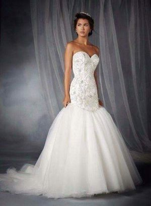 Beaded Mermaid Wedding Dress Bridal Gown with Free Veil for Sale in Alexandria, VA