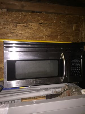 Frigidaire stove top microwave for Sale in Hawthorne, CA