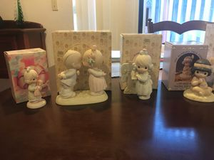 21 precious moments. Most in their original boxes and 2 special members only figurines. for Sale in Redwood City, CA