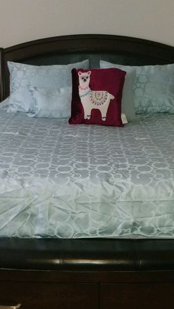 Queen Bedroom Set for Sale in Feasterville-Trevose,  PA