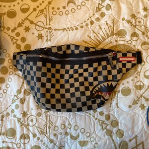 Spraygrounds Fanny Pack for Sale in Cicero, IL