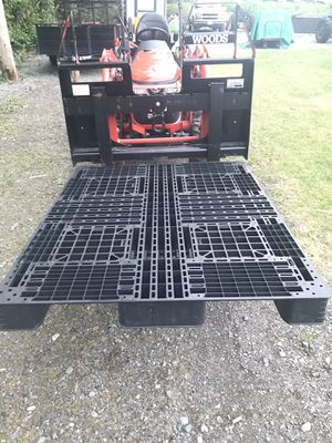 Plastic Pallets/Tent bottoms for Sale in Edgewood, WA
