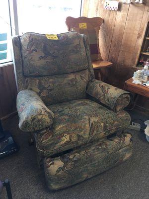 RECLINER for Sale in Big Rapids, MI