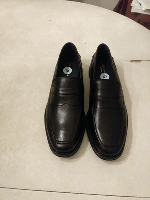 Men's Shoes size 9 black color for Sale in Germantown, MD
